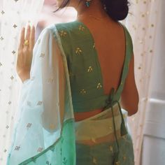 Blouse Back Neck Designs, Cotton Saree Blouse Designs, Simple Blouse Designs, Stylish Blouse Design, Blouse Designs Catalogue, Styles Blouse, Blouses, Traditional, Indian Outfits