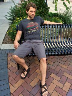 Unisex Midwest T-Shirt | Etsy Men Fashion Show, Fashion 2020, Mens Fashion, Fashion Tips, Mode Masculine, Picnic Outfits, Beach Outfits, Mens Beach Shoes, Barefoot Men