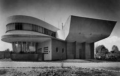 """Casa 'El Barco"""", residencia de Victorio Arana Amuchástegui, Coyoacán,  México DF 1950    Arq. José Luis Hernández Mendoza -    Arana Amuchástegui Victorio house (known as The Boat), Coyoacan, Mexico DF 1950"""