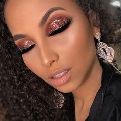 Exceptional Gorgeous makeup tips are offered on our site. Check it out and you wont be sorry you did. Makeup Goals, Makeup Inspo, Makeup Art, Makeup Inspiration, Makeup Tips, Beauty Makeup, Hair Makeup, Makeup Glowy, Edgy Makeup