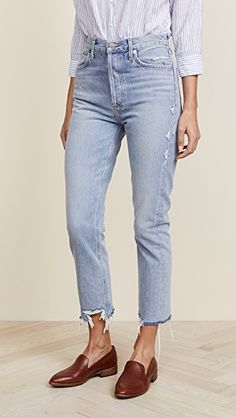 Find and compare Riley High Rise Straight Crop Jeans across the world's largest fashion stores! Comfy Travel Outfit, Travel Outfit Summer, Jeans Fit, Mom Jeans, Boyfriend Jeans, Beste Jeans, Summer Vacation Outfits, Outfit Jeans, Cropped Jeans Outfit