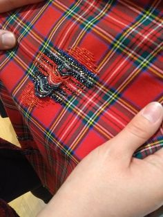 Couture Embellishment, Couture Embroidery, Embroidery Fashion, Hand Embroidery Stitches, Embroidery Fabric, Hand Embroidery Designs, Textiles Techniques, Embroidered Clothes, Kintsugi