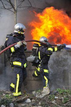 Mutuelles-comparateur.fr liste les garanties médicales à vérifier permettant des meilleures remboursements pour les soldats du feu >>  http://www.mutuelles-comparateur.fr/mutuelle-sapeur-pompier  #Pompiers
