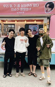 Yoongi Bts, Bts Selca, Bts Bangtan Boy, Namjoon, Jungkook Hot, Foto Bts, Bts K Pop, Die Beatles, Bts Group Photos