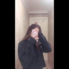 Fake Girls, Cute Girl Pic, Fake Photo, Selfie Poses, Cute Casual Outfits, Divine Feminine, Friend Pictures, Tumblr Girls, Harley Quinn
