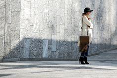 Milan Fashion Week: Women's Street Style Fall 2016 Day 1 - The Impression Milan Fashion Week Street Style, Look Street Style, Milan Fashion Weeks, Autumn Street Style, Cool Street Fashion, Street Style Women, Normcore, Celebs, Fall 2016