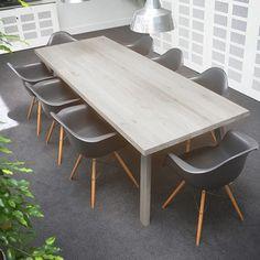 CATWALKER TABLE - OAK Beschikbaar in 6 verschillende houttinten en verschillende maten