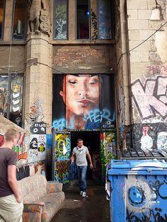 ღღ Tacheles Gallery/Arthouse [Oranienburger Straße in Berlin-Mitte]