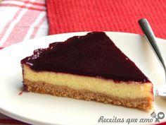 Cheesecake com calda de amora