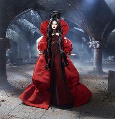 Haunted Beauty Vampire Barbie 4  (have)