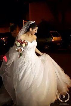 Aline Camargo Fonseca  #vestidosdenoiva #casamento #wedding #bride #noiva #weddingdress #weddingdresses #bridal