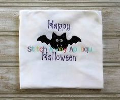 Simple Halloween Bat @ Stitch Away Appliques