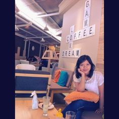 @sashandam: Coffee shop. A place to hang out, do the thesis thingy, yg bisa #BikinHidupSehidupnya