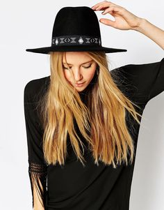 38d5e94e1ea 2015 Spring and Summer Hat  amp  Headwear Trends 6 Black Wide Brim Hat