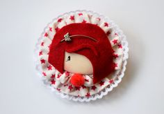 Fabric Brooch in red por DivinoAtelierShop en Etsy