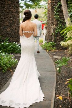 The best weddings are all about the moments, and this Maui fête is full of pretty ones. From the Bride's custom lace wedding dress and the video of well wishes from family unable to travel from Korea to the playful Instagram guest book, this couple couldn't have asked for a more perfect day, especially with Anna Kim […]