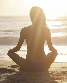 For a truly serene escape, take your daily yoga or meditation practice outside onto Del Mar's beach. Unwind on the sand, and then retreat to your Zen guest room at Les Artistes Inn, where you can continue to relax in your queen bed and rejuvenate in your slate walk-in shower.