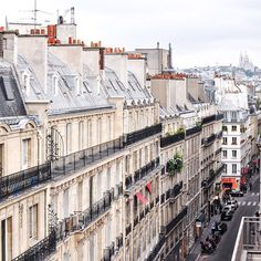 View of the Sacré-Coeur from Rue Sainte-Anne in Paris. Incidentally, this street has many fabulous Japanese and Korean restaurants, with queues often spilling out onto the main road. This is one of my favourite areas to eat out in #Paris for delicious and