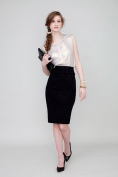 Chelsie Skirt-Black is the perfect staple for your Fall wardrobe!