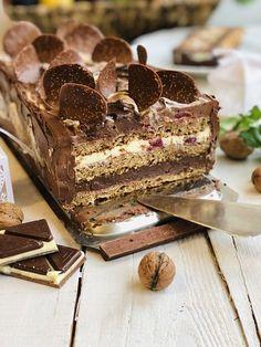 Tort Sasha cu nucă și ciocolată – Chef Nicolaie Tomescu Bread And Pastries, French Pastries, Dessert Cake Recipes, Sweets Recipes, Romanian Desserts, Torte Cake, Diy Cake, Sweet Cakes, Something Sweet