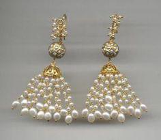 Boho Jewelry Photography and Jewelry Bracelets Videos. Dainty Jewelry, Cute Jewelry, Etsy Jewelry, Pearl Jewelry, Crystal Jewelry, Indian Jewelry, Boho Jewelry, Wedding Jewelry, Jewelry Accessories