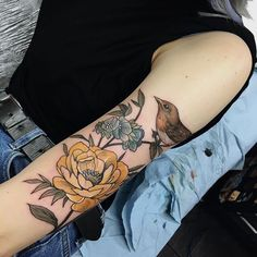 Wild Rose and Robin by Sophia Baughan (via IG-sophiabaughan) Time Tattoos, Body Art Tattoos, Sleeve Tattoos, Cool Tattoos, Tatoos, Small Tattoos, Et Tattoo, Piercing Tattoo, Tattoo You