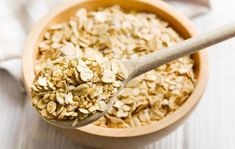 Don't let late night snacking ruin your healthy eating efforts. These 11 late-night snacks will satiate and satisfy without weighing you down. Healthy Late Night Snacks, Healthy Snacks, Healthy Eating, Healthy Recipes, Healthy Breakfasts, Keto Recipes, The Oatmeal, Oatmeal Diet, Making Oatmeal