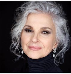 hairstyles ideas – New Ideas Grey Hair Old, Short Grey Hair, Silver Grey Hair Gray Hairstyles, Grey Hair Transformation, Silver White Hair, Grey Hair Inspiration, Peinados Pin Up, Ageless Beauty, Hair Dos