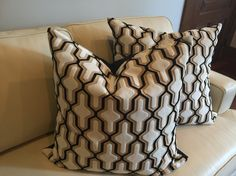 STG00165 20X20  Black/ Cream/ Gold Mod Pillows S/2