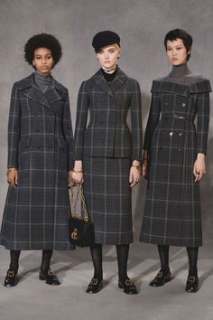 The complete Christian Dior Pre-Fall 2018 fashion show now on Vogue Runway. Autumn Fashion 2018, Fall Fashion Trends, Fashion Week, Runway Fashion, Fashion Looks, Womens Fashion, Dior Fashion, Fashion Tips, Christian Dior