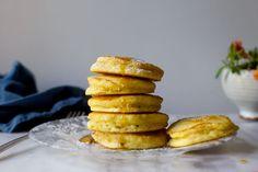 tall, fluffy buttermilk pancakes – smitten kitchen [from Fanny Farmer cookbook] Buttermilk Pancakes Fluffy, Pancakes And Waffles, Pancakes Easy, Fluffiest Pancakes, Ricotta Pancakes, Oatmeal Pancakes, Eat Breakfast, Breakfast Recipes, Breakfast Ideas