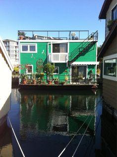 houseboat victoria