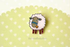 White Sheep Brooch animal  jewelry by lacravatteduchien on Etsy, €12.00