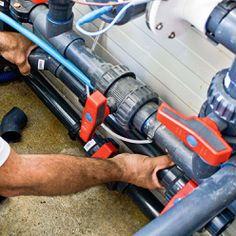 Emboîter à blanc les tubes dans leur raccord. Pac Piscine, Piscine Diy, Tube Pvc, Le Tube, Tulum, Local Technique, Floor Drains, Control Valves, Techno