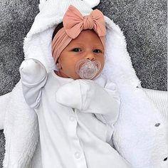 Cute Little Baby, Pretty Baby, Cute Baby Girl, Baby Girl Newborn, Cute Babies, Newborn Baby Clothes, Baby Baby, Babies Clothes, Garçonnet Swag