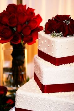 #red wedding cake... Wedding ideas for brides, grooms, parents & planners ... https://itunes.apple.com/us/app/the-gold-wedding-planner/id498112599?ls=1=8 … plus how to organise an entire wedding, without overspending ♥ The Gold Wedding Planner iPhone App ♥ #bLBride