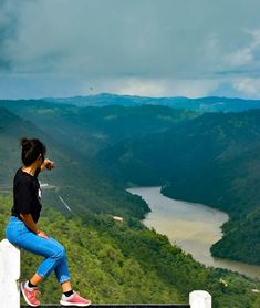 Beauty of Meghalaya ! Picture by: Friend Poses Photography, Teenage Girl Photography, Portrait Photography Poses, Photography Poses Women, Pic Pose, Foto Pose, Picture Poses, Best Photo Poses, Girl Photo Poses