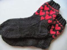 virveriikka Wool Socks, Knitting Socks, Hand Knitting, Designer Socks, Mittens, Knit Crochet, Slippers, Cold Feet, Pattern