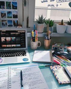 Study Desk, Study Space, Studio Decor, Study Corner, Study Room Decor, Study Rooms, Study Organization, School Study Tips, Study Areas