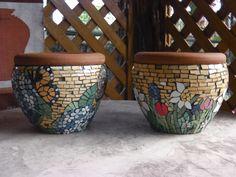 floral mosaic by Anna Abramova… Mosaic Bottles, Mosaic Vase, Mirror Mosaic, Flower Pots, Flowers, Mosaic Garden, Mosaic Crafts, Urn, Garden Pots