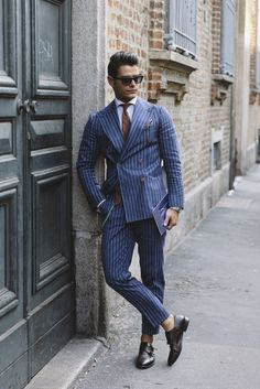 A man must always look cool. Because the style and appearance will give a positive impression. Modern Mens Fashion, Mens Fashion Blog, Men's Fashion, Classic Fashion, Fashion Killa, Fashion Tips, Mens Style Guide, Men Style Tips, Casual Chic Style