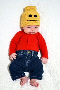 Maybe sew lego people caps Crochet Lego Man Beanie: Looks cute! We'll see if it fits when he's born! Crochet Lego, Crochet Blocks, Crochet Yarn, Crochet Patterns, Afghan Crochet, Chrochet, Crochet Halloween Costume, Crochet Baby Costumes, Crochet Baby Beanie