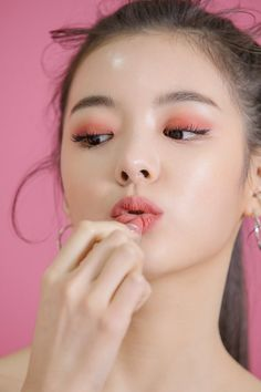 Find images and videos about kpop, itzy and lia on We Heart It - the app to get lost in what you love. J Pop, Kpop Girl Groups, Korean Girl Groups, Kpop Girls, Korean Makeup, Korean Beauty, Asian Makeup, Makeup Inspo, Makeup Inspiration