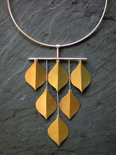 ELEMENT: SHAPE-geometric, static PRINCIPLE: BALANCE-symmetrical, UNITY Didi Suydam