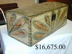Antique Chest, Antique Boxes, Painted Chest, Painted Boxes, Decorative Trunks, Art Populaire, Trunks And Chests, Blanket Chest, Old Boxes