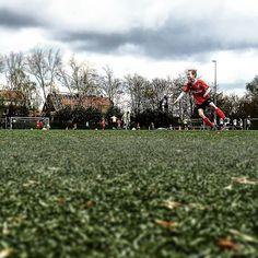 Torschuss - unter den Blicken von #bullshittv #FussballMitBiss #Fußball #Fussball  #Sponsoring #prodente #trikotsponsoring #werbung #zähne #zahngesundheit #Spieltag #Aufstieg #Rückrunde #Aufstiegsrunde #Soccer #Football #matchday #match #prodente #Kunstrasen #U13 #DJugend #field #goal #whistle #kickoff