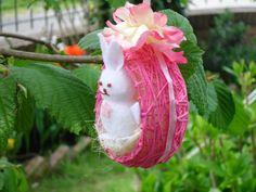 Ovetto di cotone rosa con coniglietto