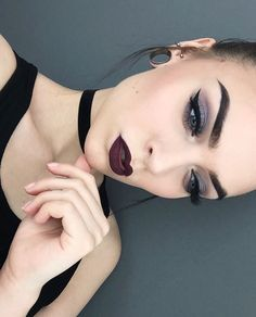 Goth vamp make up looked love this❤