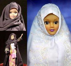 """In 2003 Saudi Arabia banned the sale of Barbie and introduced Fulla, designed to be more acceptable to the Middle Eastern market.  2003 YILINDA SUUDİ ARABİSTAN BARBIE SATIŞLARINI YASAKLADI.. BUNUN ÜZERINE ORTADOGU MARKETI İÇİN DAHA """"KABUL EDİLEBİLİR"""" TESETTÜRLÜ BARBIE LER PİYASAYA SÜRÜLDÜ ?????"""