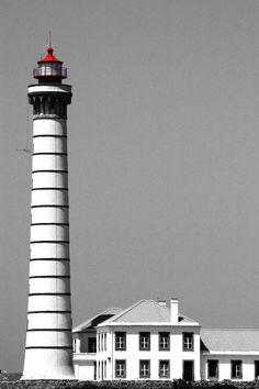 Leça da Palmeira Lighthouse, northeren Portugal -  Enjoy Portugal Holidays